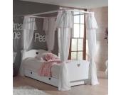 Himmelbett in Weiß Kinderzimmer